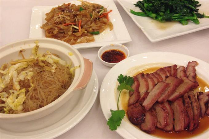 Ngoài các món ăn phổ biến thì có thể thưởng thức cả các món ăn Quảng Đông