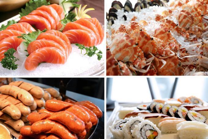 Các loại món ăn từ Á đến Âu trong nhà hàng