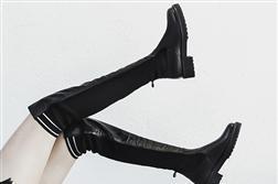 [Góc chị em] Từ dáng chân chọn ra bốt - Phải đi bốt đúng cách nhìn mới sang