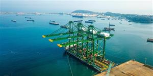 Xây cảng container đón tàu hàng siêu trường, siêu trọng ở miền Trung