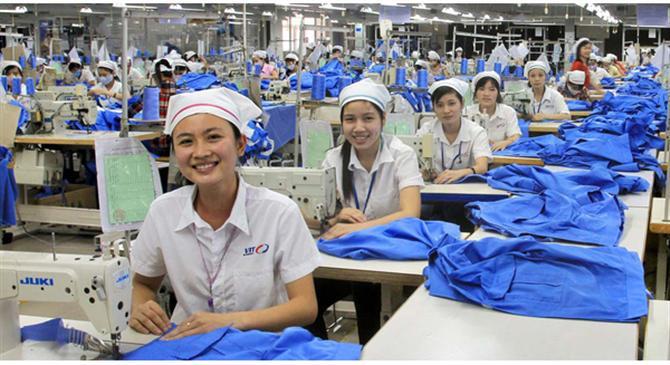 1-nang-suat-lao-dong-nganh-det-may-viet-nam-thuoc-top-dau-the-gioi-1-1466504374023-crop-1466504388789