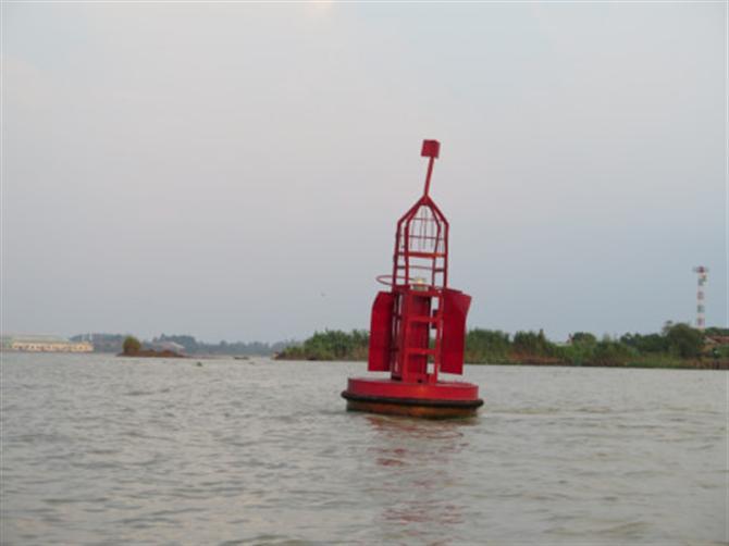 phao tiêu đường thủy