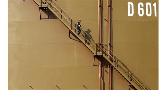 """Iran chỉ mất 1 USD cho mỗi thùng dầu, phương Tây cải cách hay là """"chết""""?"""