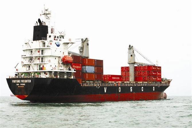 Hiện có đến 80% doanh nghiệp ngoại đang chiếm lĩnh các dịch vụ logistics tại TPHCM. Ảnh: TL.