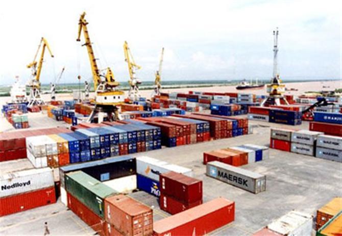 Cước phí chủ yếu khi chuyển hàng container