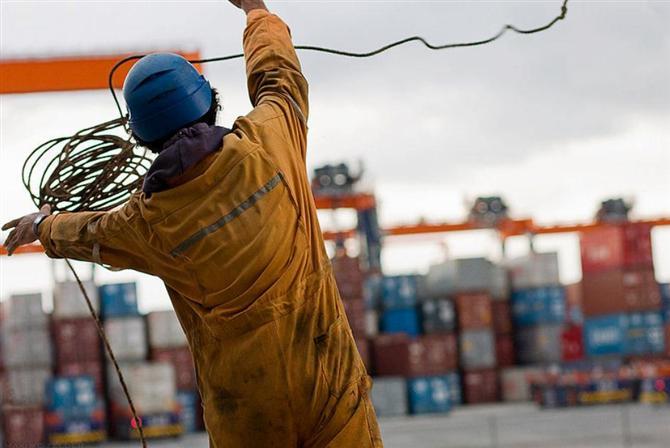 http://worldmaritimenews.com/wp-content/uploads/2016/05/Filipino-Seafarers.jpg
